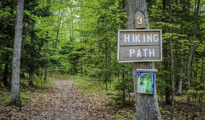 how to make a hiking trail