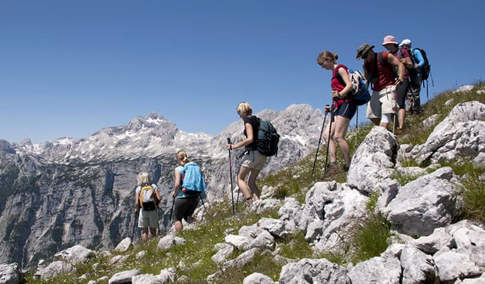 what does it take to be a hiking guide